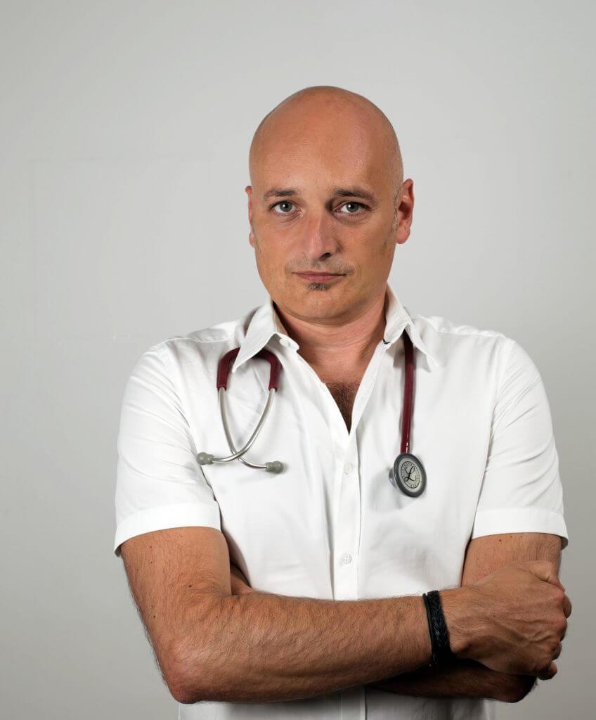 OA Dr. Marton Széll, Facharzt für Innere Medizin, Facharzt für Infektiologie und Tropenmedizin